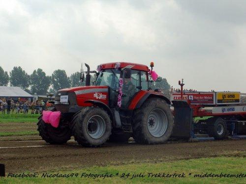 Trekkertrek Middenbeemster 2016. Geplaatst door NicolaasK op 04-08-2016 om 23:03:19, op TractorFan.nl - de nummer 1 tractor foto website.