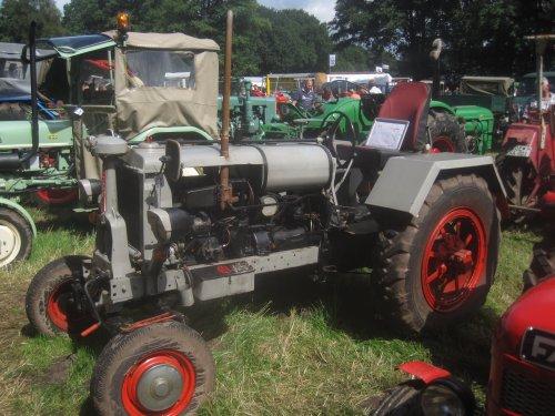 Foto van een Mc-Cormick FS. Geplaatst door jordi 1455 op 24-08-2016 om 22:06:17, op TractorFan.nl - de nummer 1 tractor foto website.