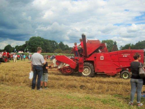 Foto van een Mc-Cormick 8-31. Geplaatst door jordi 1455 op 28-08-2016 om 23:01:23, op TractorFan.nl - de nummer 1 tractor foto website.