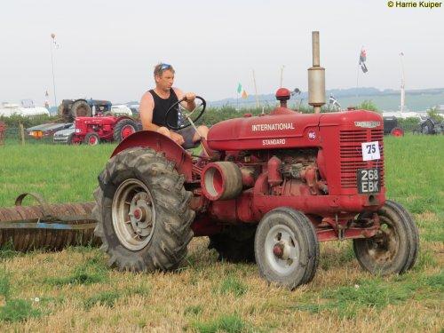 Foto van een Mc-Cormick W6  , Great Dorset steam fair 2016. Geplaatst door oldtimergek op 30-08-2016 om 23:51:06, op TractorFan.nl - de nummer 1 tractor foto website.