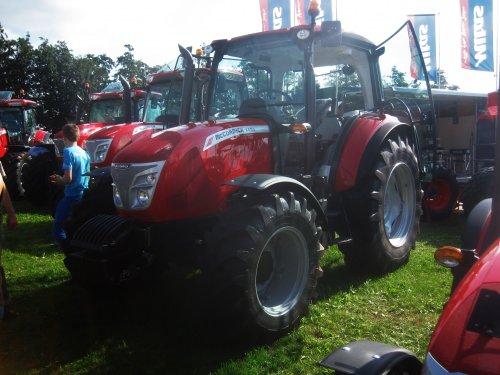 Foto van een Mc-Cormick X4.50. Geplaatst door jordi 1455 op 18-09-2016 om 13:23:59, op TractorFan.nl - de nummer 1 tractor foto website.