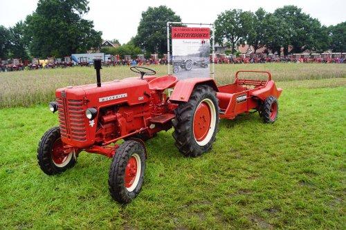 Foto van een McCormick-Deering Onbekend. Geplaatst door jans-eising op 12-08-2017 om 22:19:20, op TractorFan.nl - de nummer 1 tractor foto website.