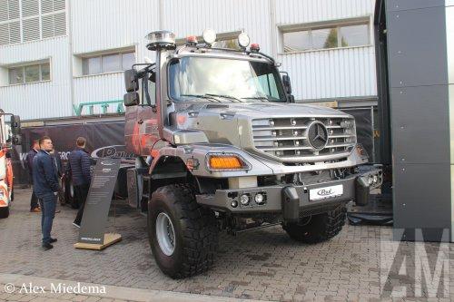 Foto van een Mercedes-Benz Zetros, opgebouwd zonder opbouw.. Geplaatst door Alex Miedema op 01-12-2018 om 13:48:01, op TractorFan.nl - de nummer 1 tractor foto website.
