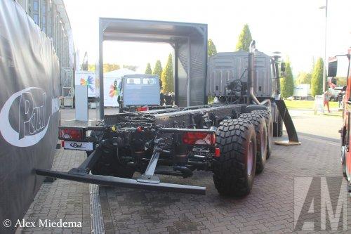 Foto van een Mercedes-Benz Zetros, opgebouwd zonder opbouw.. Geplaatst door Alex Miedema op 01-12-2018 om 13:48:06, op TractorFan.nl - de nummer 1 tractor foto website.
