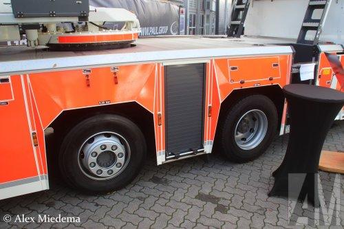 Foto van een Mercedes-Benz Atego MP4, opgebouwd als brandweer.. Geplaatst door Alex Miedema op 01-12-2018 om 14:09:47, op TractorFan.nl - de nummer 1 tractor foto website.