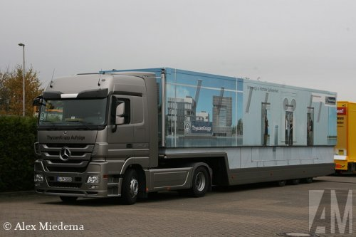 Foto van een Mercedes-Benz Actros MP3, opgebouwd als verkoop- / reclamewagen.. Geplaatst door Alex Miedema op 19-04-2014 om 18:42:06, op TractorFan.nl - de nummer 1 tractor foto website.