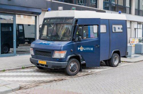 Foto van een Mercedes-Benz Vario, opgebouwd voor personenvervoer.. Geplaatst door xrayjaco op 27-07-2019 om 20:46:13, op TractorFan.nl - de nummer 1 tractor foto website.