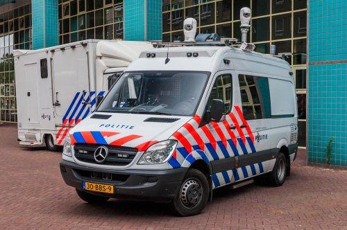 Foto van een Mercedes-Benz Sprinter, opgebouwd voor personenvervoer.. Geplaatst door xrayjaco op 30-07-2019 om 10:59:56, op TractorFan.nl - de nummer 1 tractor foto website.