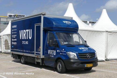 Foto van een Mercedes-Benz Sprinter, opgebouwd met gesloten opbouw.. Geplaatst door René op 13-08-2019 om 23:19:50, op TractorFan.nl - de nummer 1 tractor foto website.