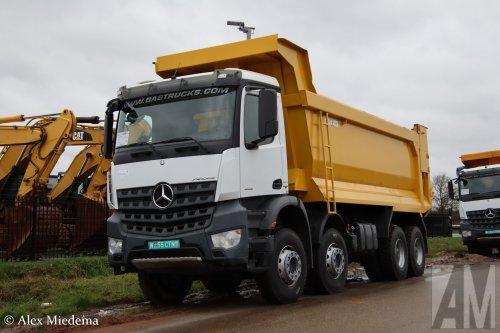 Foto van een Mercedes-Benz Arocs, opgebouwd als dumper / kipper.. Geplaatst door Alex Miedema op 19-01-2020 om 12:07:36, op TractorFan.nl - de nummer 1 tractor foto website.