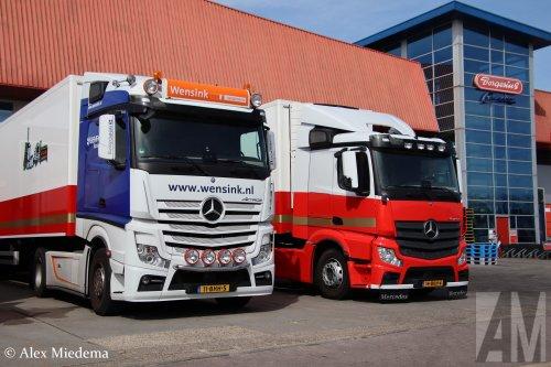 Borgesius Convenience (Leeuwarden) ×, Wensink (Zwolle) × op de foto met een Mercedes-Benz Actros MP4, opgebouwd voor koeltransport.