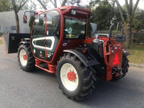 De nieuwe MERLO TF33.9 voor Roelofs Tree Nursery werd geleverd in FIAT AGRO kleuren door Weevers in Zeewolde.