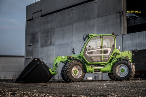 Merlo TF42.7 CS. Geplaatst door Jan Ramon op 27-11-2018 om 23:59:42, op TractorFan.nl - de nummer 1 tractor foto website.