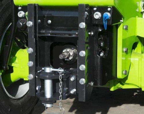 De meesten kennen onze Merlo Multifarmer met hefinrichting en PTO. Niet iedereen weet dat een Turbofarmer TF42.7 of TF50.8 ook te bestellen is met een PTO. In dit geval zonder hefinrichting. Afhankelijk van het type machine leverd de PTO 115 of zelfs 140 PK op de PTO.