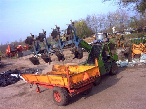 ploeg opgehaalt bij de drempel waar ie het nie meer hielt achter de new holland. Geplaatst door Loonwerker_Erwin op 12-04-2007 om 13:08:18, met 5 reacties.