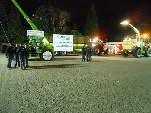 Foto van een Merlo P 55.9, bezig met poseren. Op de show van Abemec.. Geplaatst door fendt4ever op 24-11-2013 om 20:58:49, op TractorFan.nl - de nummer 1 tractor foto website.