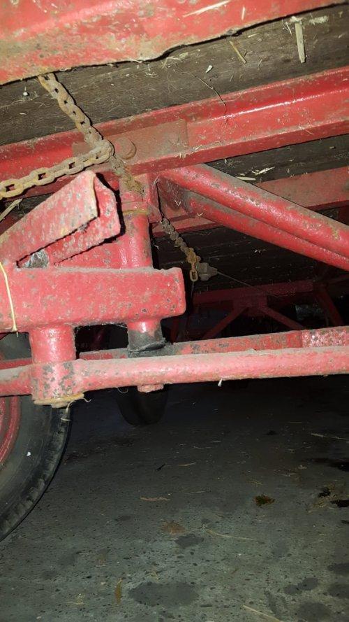 Foto van een miedema Landbouwwagen. Geplaatst door fendt2 op 21-08-2020 om 19:37:32, met 4 reacties.