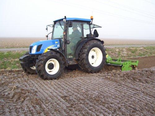 onze new holland tnd70A met nieuw celly rotorkopeg!. Geplaatst door peterfendt op 10-03-2008 om 12:13:15, met 20 reacties.