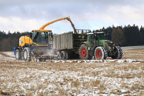 Snow Silage :)  NEW HOLLAND FR 9050 Forage Harvester FENDT 936 Vario + FLIEGL GIGANT ASW 270  more photos you can find also on  [url=https://www.flickr.com/photos/129661619@N08/]Flickr page[/url]   [url=https://www.facebook.com/DYNASTYphotography-204551272942391/]Facebook DYNASTYphotography[/url]   [url=https://www.instagram.com/lukaskralphoto/]instagram lukaskralphoto[/url]   [url=https://www.instagram.com/martin939king/]instagram martinking[/url]