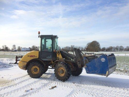Foto van een New Holland W 80 TC. Geplaatst door Jasperfendt op 15-01-2017 om 12:59:58, op TractorFan.nl - de nummer 1 tractor foto website.