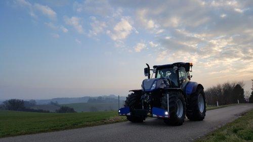 Blue Power New |Holland t 7.245. Geplaatst door eXtratrekker1 op 08-02-2017 om 09:31:49, op TractorFan.nl - de nummer 1 tractor foto website.