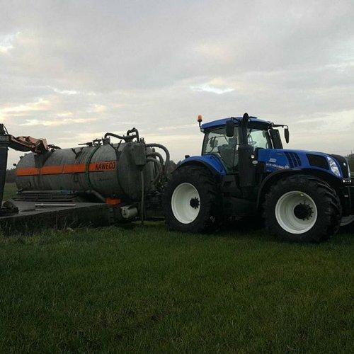 Foto van een New Holland T 8.435. Geplaatst door bjorn-andre-egeland op 17-02-2017 om 22:15:07, op TractorFan.nl - de nummer 1 tractor foto website.