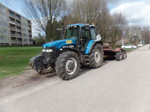 New Holland 8360 van dickt