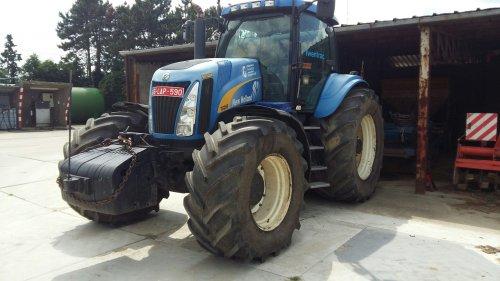 Hier zie je Loonbedrijf Geutjens (Bocholt) × met een New Holland TG 285.. Geplaatst door peter8970 op 29-03-2017 om 21:29:59, op TractorFan.nl - de nummer 1 tractor foto website.