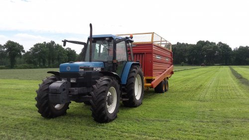 New Holland 8340 van Fordje6500