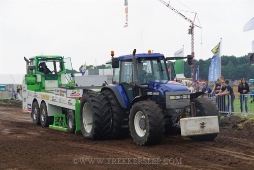 New Holland 8560 Tapeta
