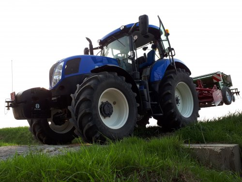 New Holland T 7.170 van tombo