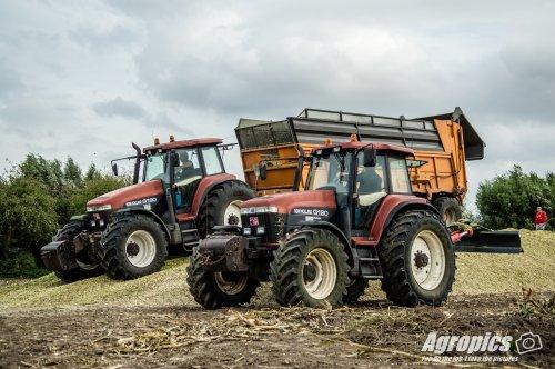 1 New Holland G 190 in de mais is zeldzaam maar 2, dat maakte de dag nog beter! Nog beter, de 3 asser Dezeure achter zo een dikke G! Binnenkort meer op https://agropics.wordpress.com/