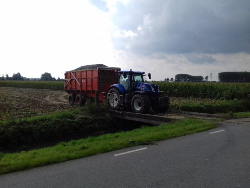 New Holland T 7.190 van Geert E