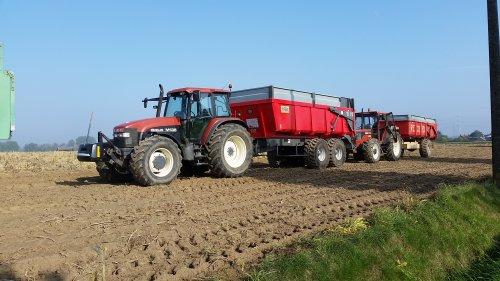 Eén van de 5 afvoercombi's die gebruikt werden in combinatie met een AVR rooimachine.. Geplaatst door dale80 op 26-09-2017 om 11:52:59, op TractorFan.nl - de nummer 1 tractor foto website.