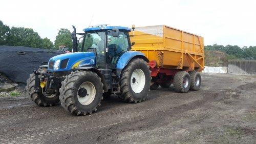 New Holland T 6070 van supergerben
