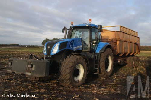 New Holland T 8.330 van Alex Miedema