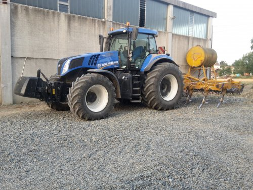New Holland T 8.420 van TerraJohnDeerefan