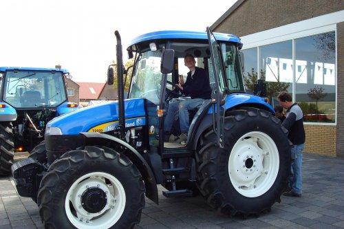 Foto van een New Holland Onbekend.. Geplaatst door joost5432 op 26-04-2008 om 20:37:47, met 3 reacties.