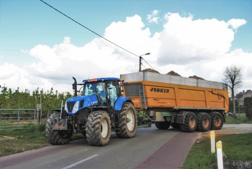 New Holland T 7.250 van loonwerken-vanoppen