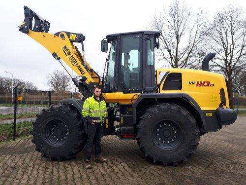 new holland w110d. Geplaatst door bram-klein-lenderink op 12-01-2018 om 21:43:18, op TractorFan.nl - de nummer 1 tractor foto website.