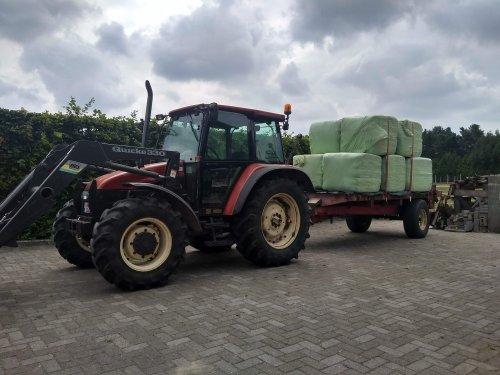 New Holland L 85 van case en international 1455xl