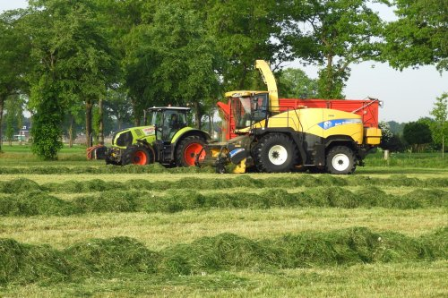 https://youtu.be/sjywygPqV1I. Geplaatst door pekkerietfan op 11-07-2018 om 21:36:09, op TractorFan.nl - de nummer 1 tractor foto website.