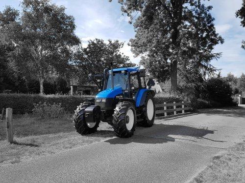 New Holland TS 90 van Fendt2001