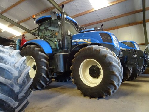 New Holland T 7.170 van dickt