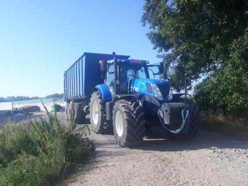 New Holland T 7.220 van larst7030