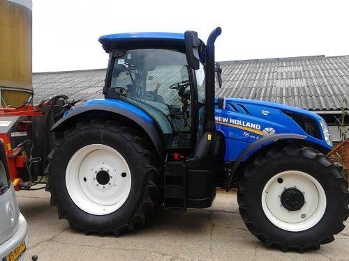 Foto van een New Holland T 6.120. is eigenlijk een t6.125 maar kon het zo niet vinden. Onze nieuwe tractor vandaag gehaald