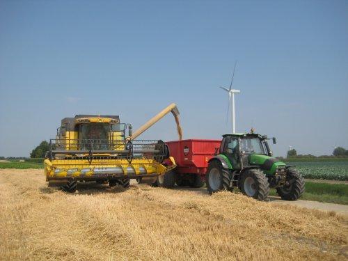 Foto van een new holaand csx 7080. Geplaatst door jafiats op 19-08-2018 om 10:05:50, op TractorFan.nl - de nummer 1 tractor foto website.