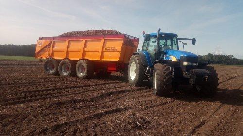 Foto van een New Holland TM 175. Geplaatst door sander op 31-08-2018 om 10:55:56, op TractorFan.nl - de nummer 1 tractor foto website.