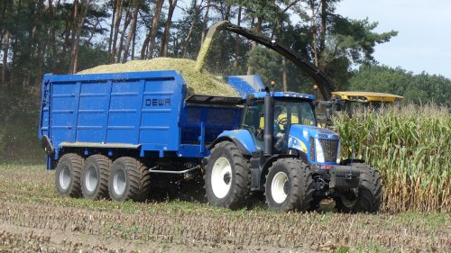 New Holland T 8020 van XC 70