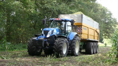 New Holland T 7.220 van XC 70